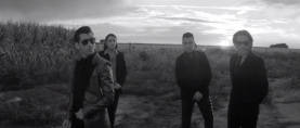 "Arctic Monkeys estrena el videoclip de ""One for the road"""