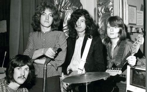 A 45 A 209 Os De Quot Immigrant Song De Led Zeppelin Zoom 95 5 Fm